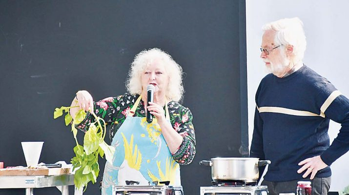 Darilyn and Les Goldsmith ran a cooking demonstration